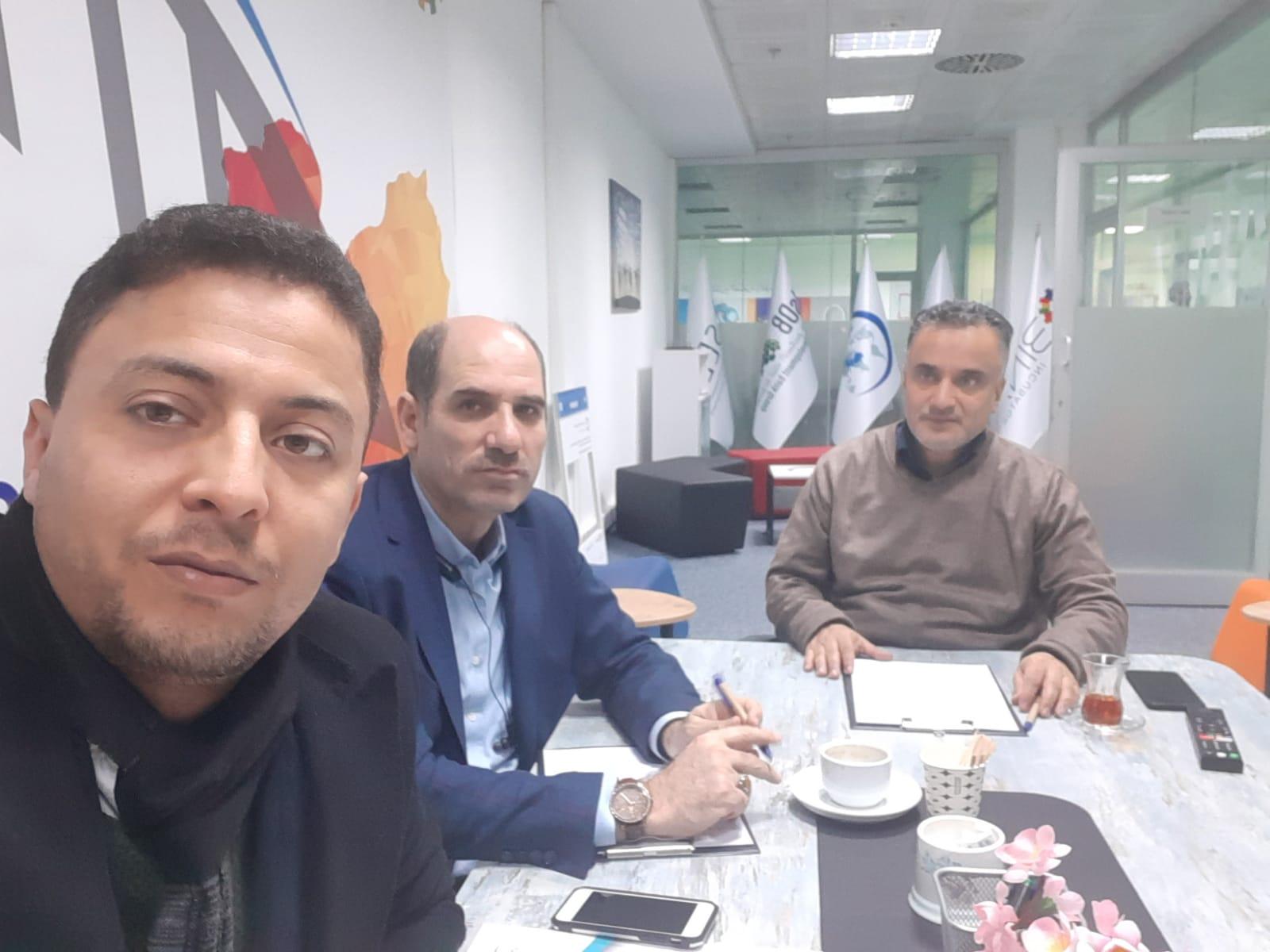 لقاء يجمع مدير برنامج بناء مع رئيس قسم الاقتصاد الاسلامي في جامعة صباح الدين الزعيم